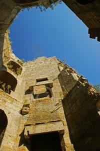 Kasteel Hunaudaye; kasteelruine; ruine; Bretagne; Frankrijk; toren ruine; kasteeltoren