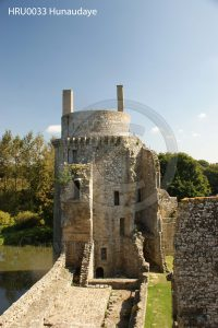 Kasteel Hunaudaye; kasteelruine; ruine; Bretagne, Frankrijk; toren ruine; kasteeltoren
