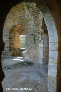 Kasteel Hunaudaye; kamer Hunaudaye; kasteelruine; ruine; Bretagne, Frankrijk