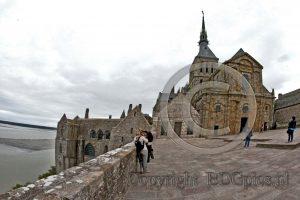 Le Mont-Saint-Michel; kerk Le Mont-Saint-Michel
