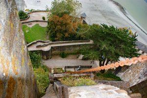 Le Mont-Saint-Michel kettinglift; Le Mont-Saint-Michel uitzicht naar beneden